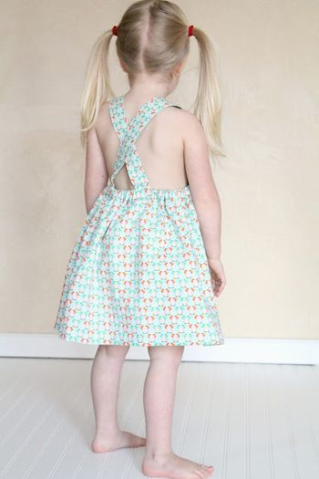 The Sydney Pinafore « Sew,Mama,Sew! Blog (free tutorial and pattern)