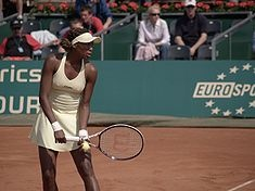 Venus Williams reached the US Open finals at the age of 17, becoming the first woman since 1978 to reach a US Open final on her début & was the 1st unseeded female US Open finalist since 1958. After her breakthrough, Venus breached the top ten on the WTA world rankings for the first time in 1998 when she won the Lipton Championships in Miami. Between 2000 & 2001, Venus won 4 of the 6 Slams she entered. Her 35-match winning streak remains the longest of the millennium. Venus was #1 Feb…