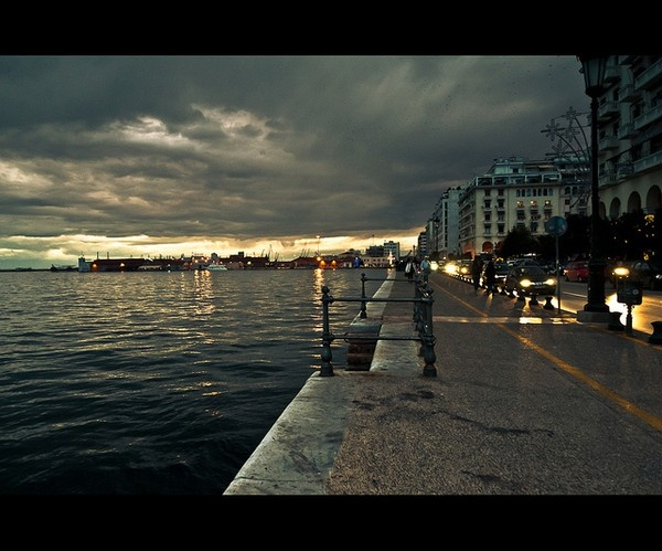 A beautiful view of Thessaloniki harbor