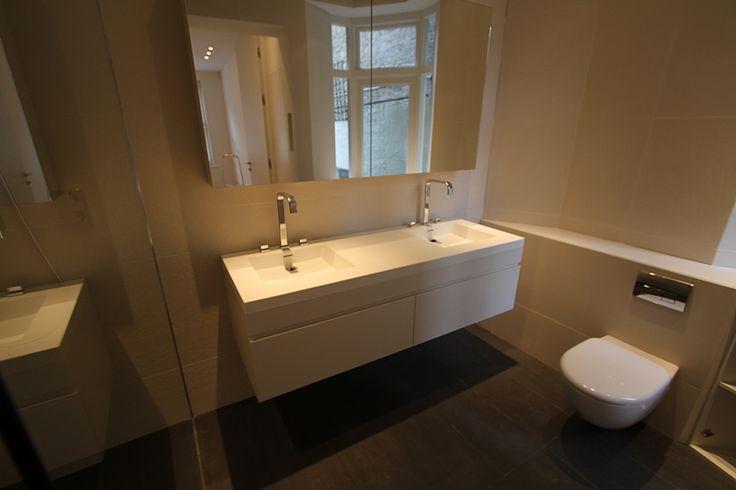 Fitted Bathroom Furniture in London | Bespoke Bathroom Cabinets