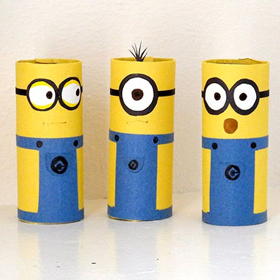 Turn ordinary cardboard tubes into adorable minions using a printable pattern and construction paper.