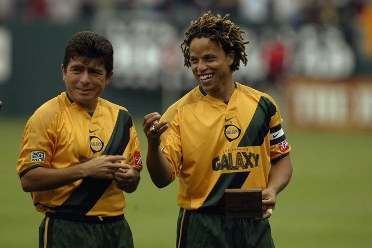 "Throwback! ""@LAGalaxy: #TBT: @CobiJones and Mauricio Cienfuegos receive their 2002 MLS Cup championship rings.  """