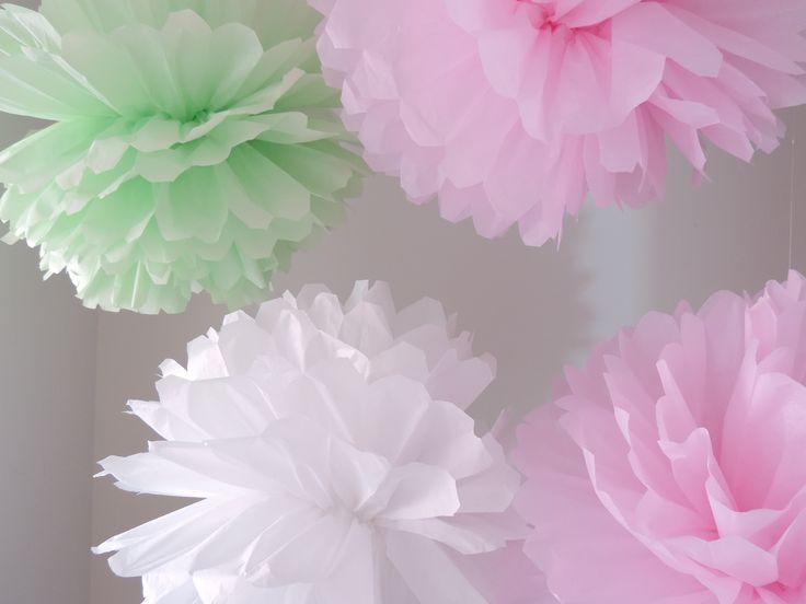 Pompones en colores paste para Bautizos