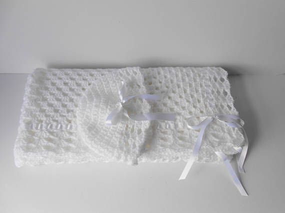 Christening Blanket. Crochet Christening Blanket. Christening Shawl. Baby blanket and hat. Christening Gift. White crochet blanket
