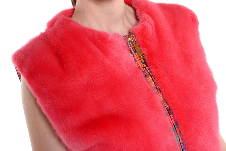 Red mink fur vest of our Lemon series, for an unforgettable spring season.