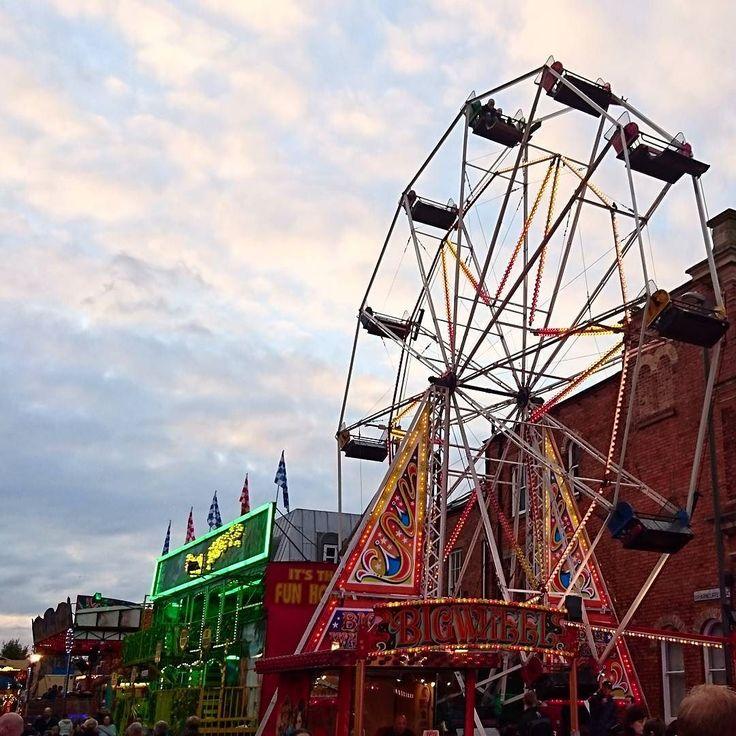 Ilkeston fair   #ilkestonfair #Derby #nottinghamblogger #funfair #nofilter #fridaynight #fridayfun #nofilter #ilkeston #ferriswheel