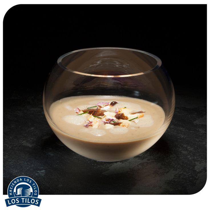 Sopa Darblay de papas, castañas y savoyard. #Recetas #Gourmet http://www.lostilos.cl/recipes/sopa-darblay-de-papas-castanas-y-reblochon/