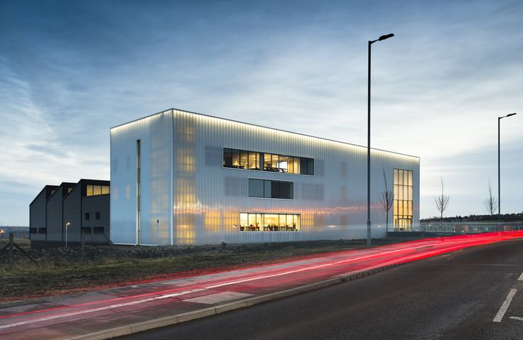 Backlit translucent polycarbonate cladding by Rodeca has provided a beacon of light for apprenticeship training.Some 1,800m<sup>2</sup> of Rodeca's 40mm PC 2540-4 wall panel has been used as rainscreen and internal skin on a new apprentice training centre for young engineers at the Advanced Manufacturing Research Centre (AMRC) at The University of Sheffield....