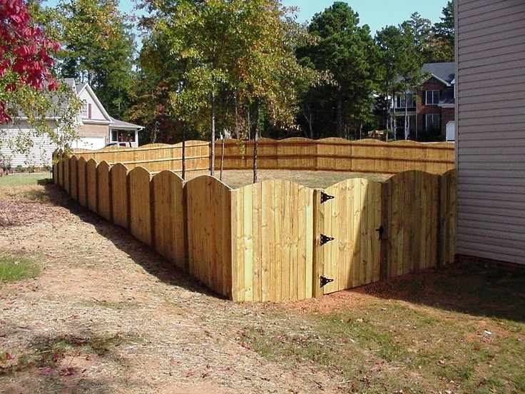 Wood Up-scalloped Privacy Fence
