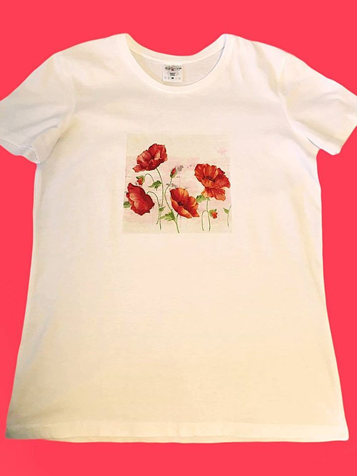 Handmade T-shir Poppies  This T-shirt is suitable for all women, the material is 100% cotton and it's painted manual with quality and non toxic paint, which is also permanent. You can wash it in the washing machine or manually at 30 Celsius degrees.