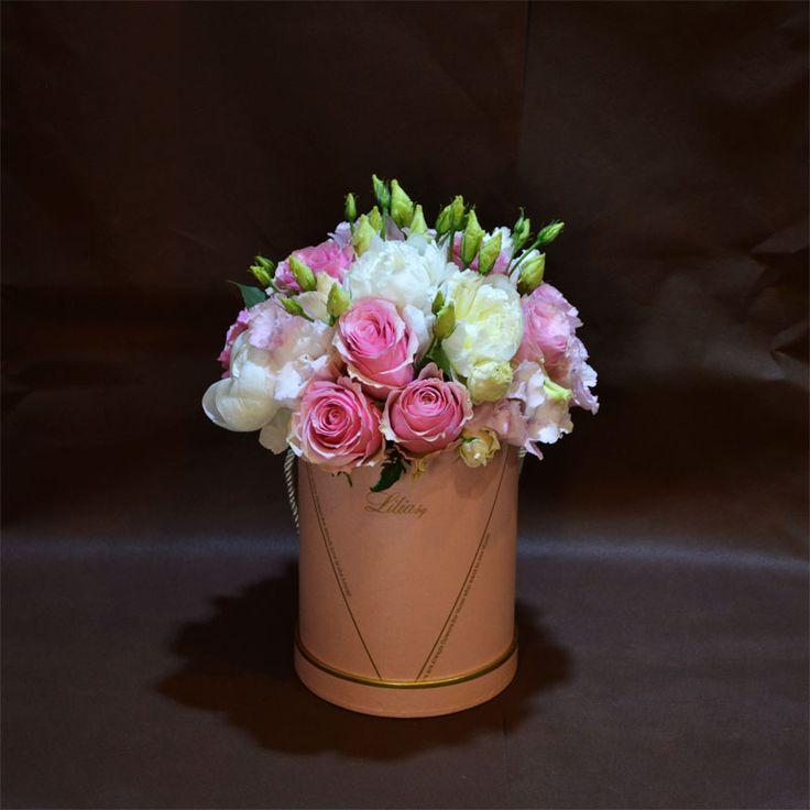Цветя в Кутия и Кутии с рози - Доставка на Цветя-Букети-Вечни рози и Рози в стъкленица София