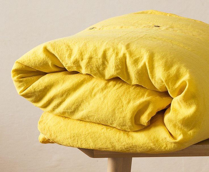 Garment dyed bedding / Pantone Aspen Gold
