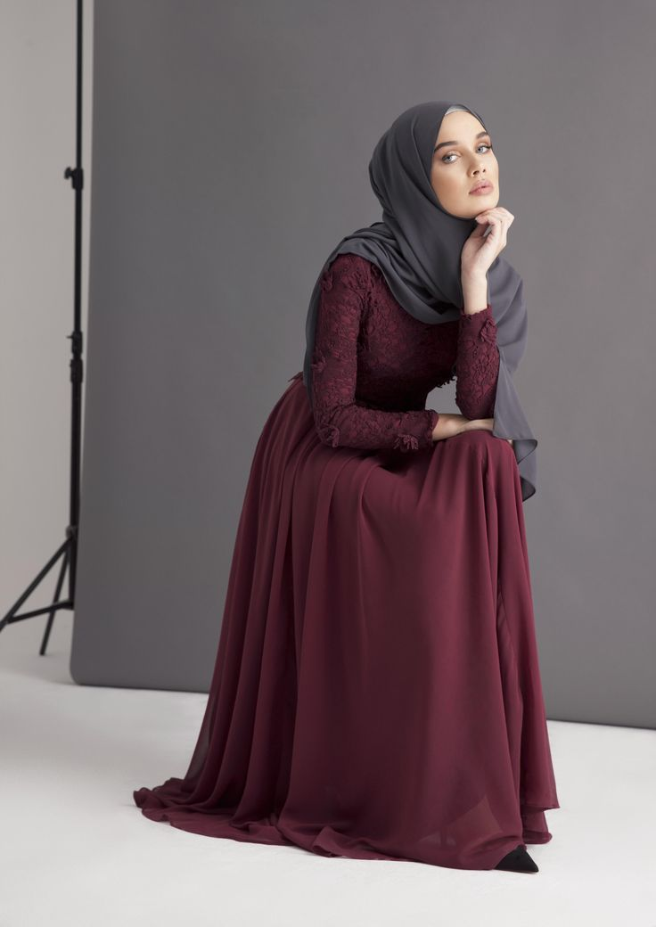 New Arrivals… Looking for something classy, chic yet modern with a hint of vintage? INAYAH have just updated our recent collection of modest evening wear to perfection. Our updated, and refined in colour, Dark Berry Maya Evening Gown, is an inconic INAYAH piece. Perfect for...