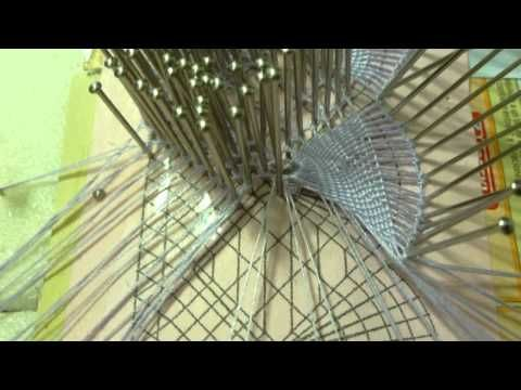 Puntos de Encaje de Bolillos: Abanico de Encaje Geometrico o Torchon - YouTube