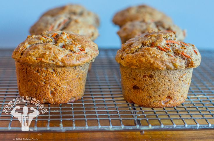 Low-GI Banana, Carrot & Oat Protein Muffins from FitMenCook.com