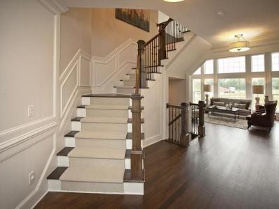 3 pillar model home