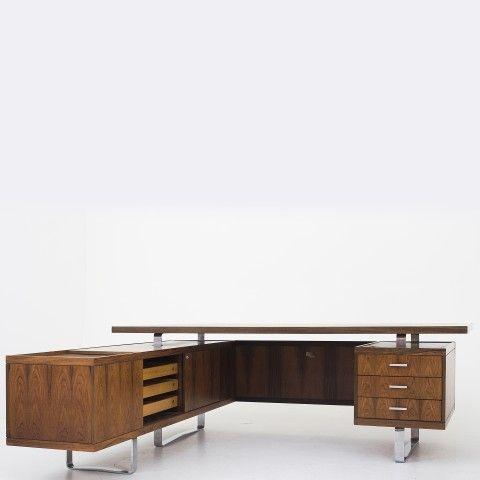 Desk w. sideboard