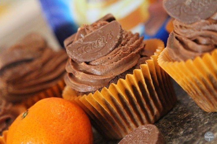 Terry's Chocolate Orange Cupcakes - rich chocolate orange sponge with creamy chocolate orange frosting - full recipe and blogpost on http://ift.tt/2cXvpS8 #terryschocolateorange #terrys #cupcakes #chocolateorangecupcakes #terryscupcakes #recipe #tejalskitchen #yahoofood #foodphotography #yuminthetum #huffposttaste #foodgawker  #buzzfeedfood #feedfeed #instafood #eeeeets #f52grams #thekitchn #instafood #foodie #foodpost #healthyeah #beautifulcuisines #stepbystep #tastespotting #vegetarian…