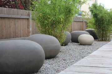 "Large ""seating pebbles"" from Atelier Vierkant, Belgium: handmade from clay"