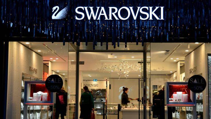 Kündigung trotz guter Leistung: Wegen Make-up und Körpersprache gefeuert: Swarovski-Verkäuferin beklagt Mobbing - http://ift.tt/2coAIbB
