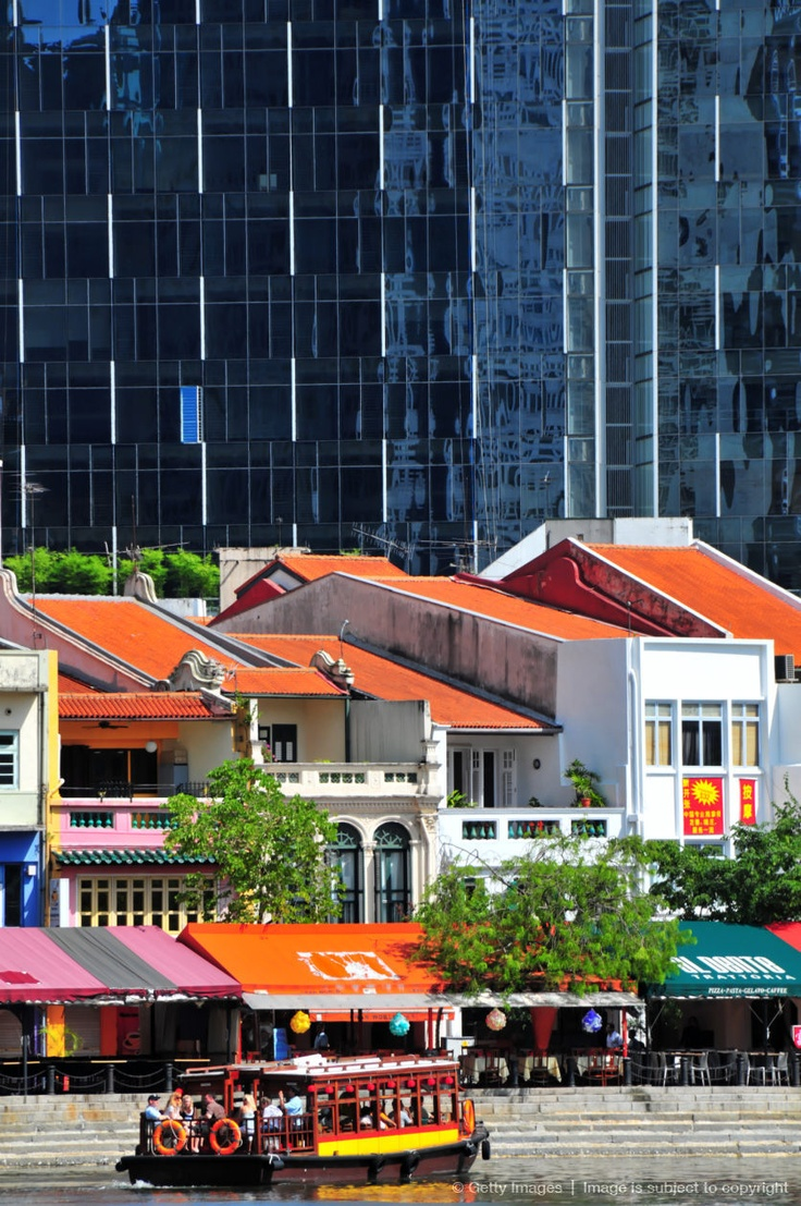 Restaurants and offices Boat Quay. Singapore