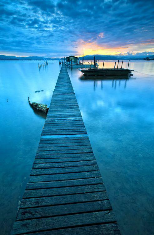 bluepueblo:  Blue Jetty, Sydney, Australia photo via omnis