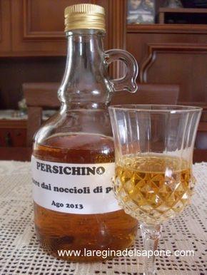 liquore con noccioli di pesca