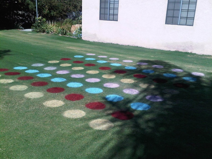 outdoor twister: Meetings Games, Twister Games, Outdoor Twister, Birthday Parties, Parties Ideas, Summer Fun, Wonder Ideas, Outdoor Games, Birthday Ideas