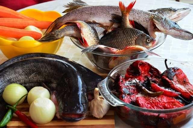 zacuscă de pește. din Deltă - http://www.dorianradu.ro/recipes/zacusca-de-peste/