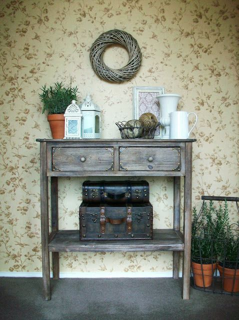 Foyer Table Vignettes : How to create a vignette do it yourself decorating
