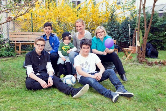 +++Boys'Day 2015: Kinderintensivpatient und Berliner Schüler spielten gemeinsam #Fußball +++  Rund 31.200 Jungen nahmen in diesem Jahr bundesweit am #BoysDay teil. Auch drei Berliner Schüler ließen sich dieses Minipraktikum nicht entgehen und besuchten Julia und ihren 6-jährigen Sohn Karl: http://www.gip-intensivpflege.de/dein-pflegejob/pflegejob-news/boysday-2015-kinderintensivpatient-und-berliner-schueler-spielten-gemeinsam-fussball/  Foto: Dario Lehner
