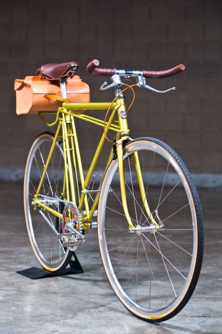 Silk Cycles is a long standing Japanese bicycle builder, with a certain affinity for small tubes and truss-like construction.