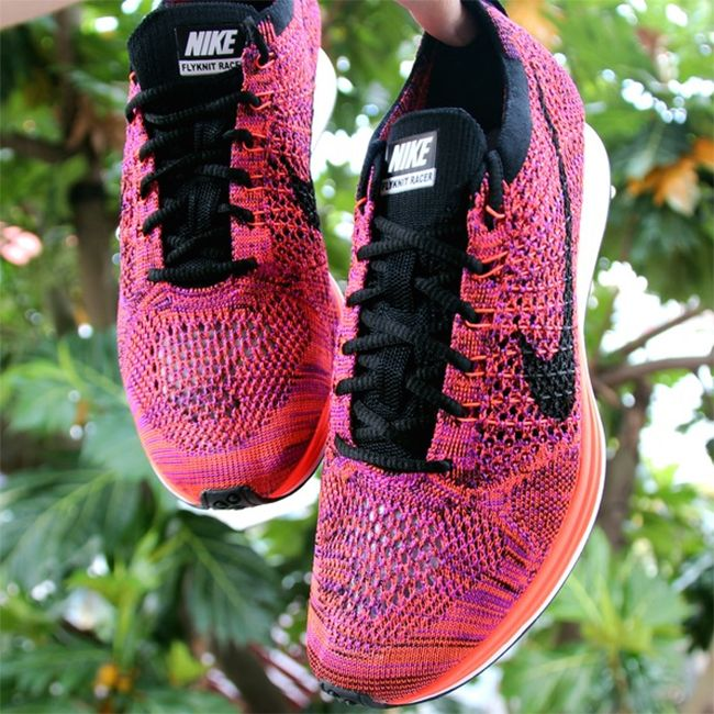 We now have a first look at the Nike Flyknit Racer Purple, Orange and Pink.