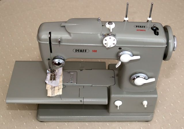 7 Best Vintage Sewing Machines Images On Pinterest