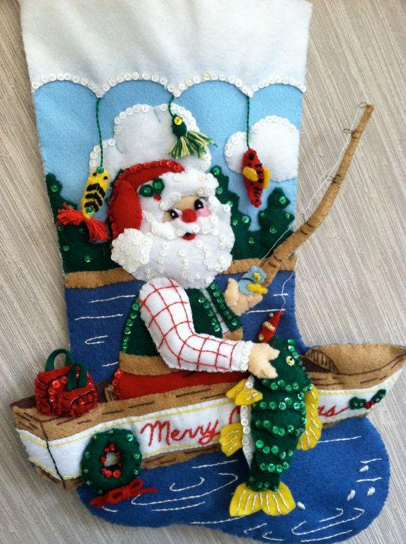 Pesca Santa completó calcetín de Navidad fieltro hecho a mano de Bucilla Kit