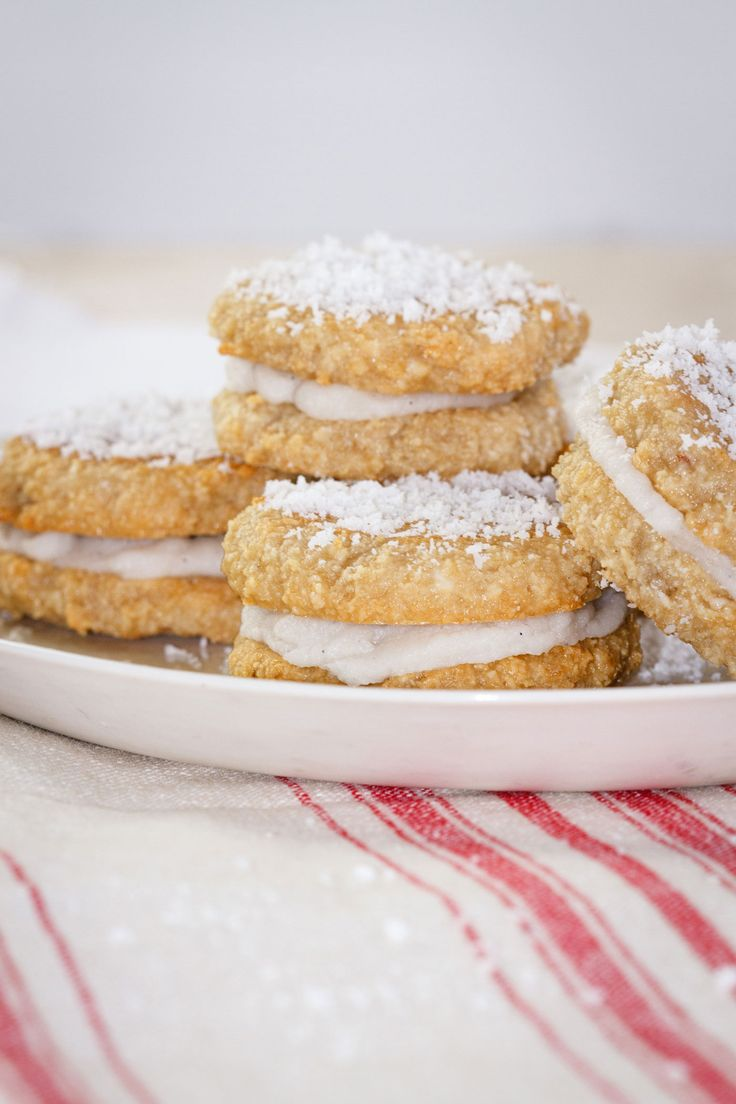 These things are divinely good – like a macaroon but better – there is a sneaky dollop of passionfruit curd hiding inside the centre, and a creamy coconut frosting holds the two cookie halves together. These would be great to give as a little Christmas gift, and of course, are super healthy. No dairy, eggs, …