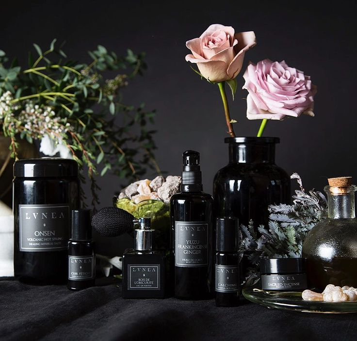 Experience the natural beauty of pure plant perfumes in a variety of mediums { eau de parfums botanical oil perfumes body serums candles and bath salts } and perfect your very own self care ritual. #lvnea #naturalperfume #botanicalperfume #botanicalapothecary #plantperfume #forestperfume