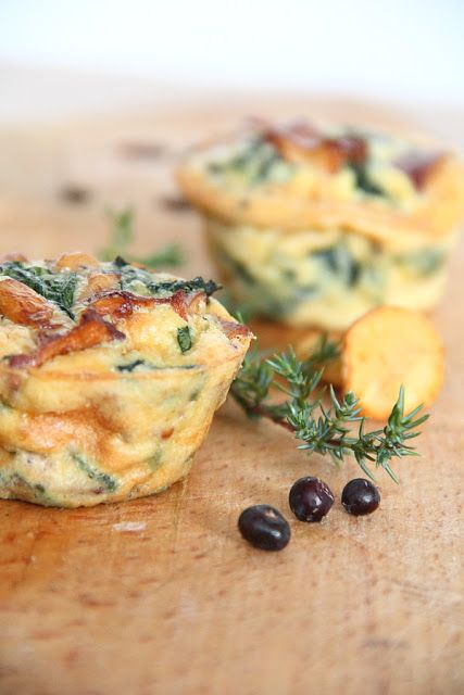 Lubię to...: Kurki na maśle. Szpinak i czosnek. Kozi ser. Frittata w wersji mini.