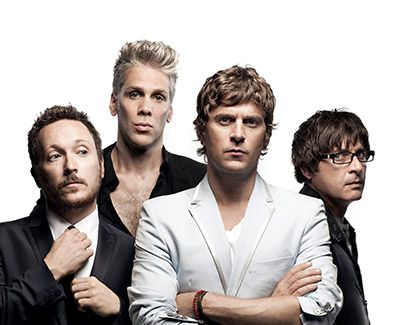 "#3 [DAY1-NIGHT] Udah kenyang makan ayam Tian Tian. Aku dan bang Tian nonton band britpop lawas Matchbox 20. kita singalong ""IF YOU'RE GONE"", ""UNWELL"" dan pastinya: ""BENT"" ----- Matchbox Twenty North Tour -  Prepare for some serious rocking out as these hot favourites dish out their anthems. #SGTravelBuddy #ENTERTAINMENT"