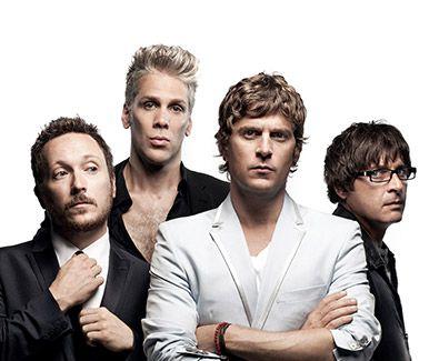 "#3 [DAY1-NIGHT] Udah kenyang makan ayam Tian Tian. Aku dan bang Tian nonton band britpop lawas Matchbox 20. kita singalong ""IF YOU'RE GONE"", ""UNWELL"" dan pastinya: ""BENT"" ----- Matchbox Twenty North Tour -  Prepare for some serious rocking out as these hot favourites dish out their anthems. #SGTravelBuddy #ENTERTAINMENT"