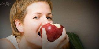 5 вещей: никогда не делайте после еды!