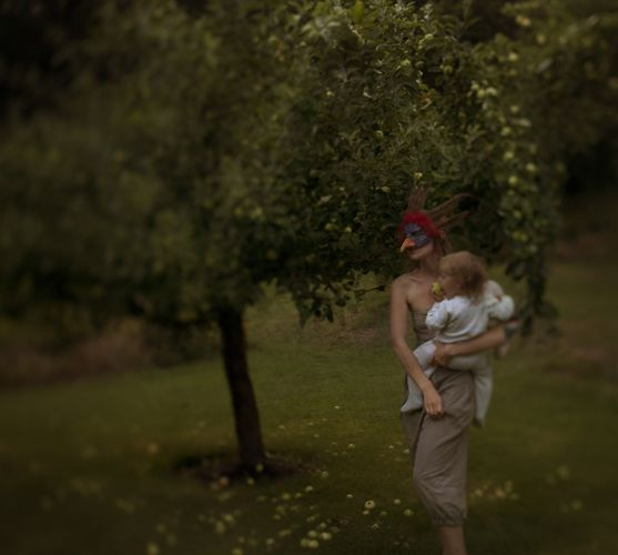 Recently saw an exhibition with Marie Sjøvold's surreal photos. They made a huge impression on me. Here an image from the series Midnight Milk, which seeks to tackle the ambivalence of motherhood.