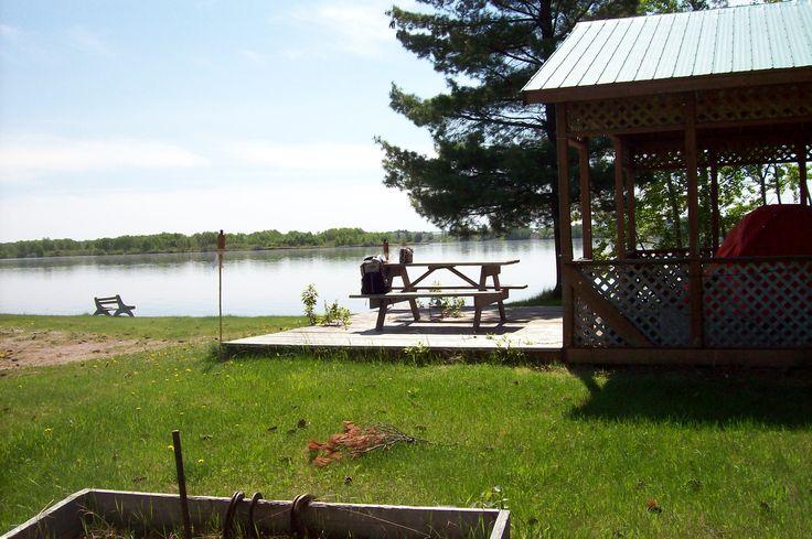 25 sites de camping sauvage. Camping Bellevue Sud, St-Félicien. Très smooth comme endroit, on aime ça!
