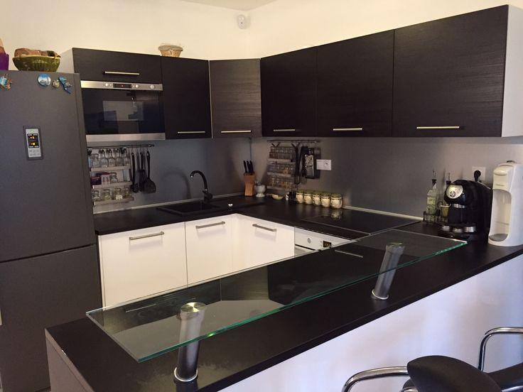 Kuchynské zásteny zo skla, alebo obdobnej hliníkovej dosky. Vlastný motív, fotografia, grafika...viac: http://zasteny.sk/