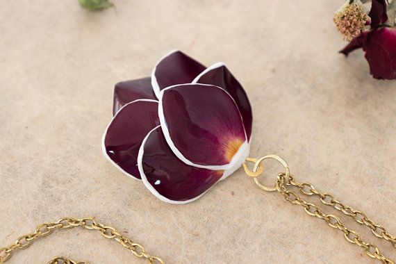 Necklace With Real Rose Petals Rose Necklace Real Flower Necklace Rose Jewelry Preserved Flower Jewel Real Flower Jewelry Flower Jewellery Real Rose Petals
