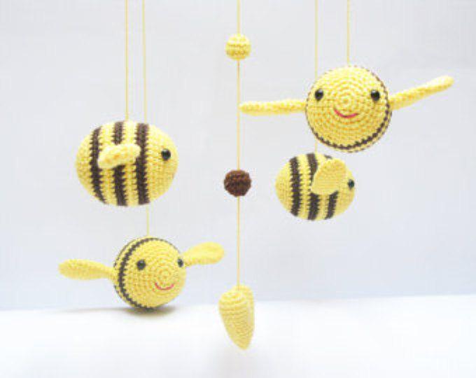 Bambino cellulare, Bumble Bee vivaio Mobile, Nursery Baby Shower Gift, Amigurumi Mobile