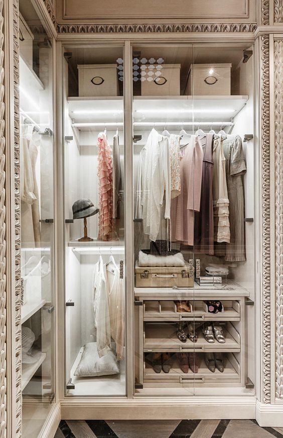The best of luxury closet design in a selection curated by Boca do Lobo to inspire interior designers looking to finish their projects. Discover unique walk-in closet setups by the best furniture makers out there. Explore our pieces at www.bocadolobo.com