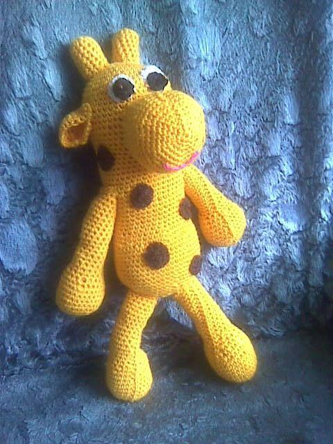 háčkovaná hračka - žirafa