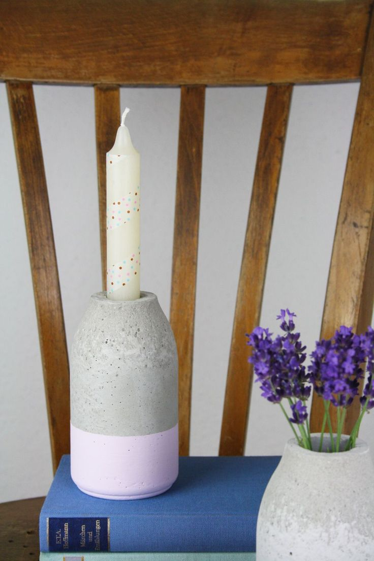 Flaschenförmiger Kerzenständer aus Beton im Kreide dipped Look | DIY Anleitung