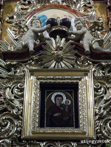 Könnyező Mária kép a máriapócsi görög katolikus templomban.